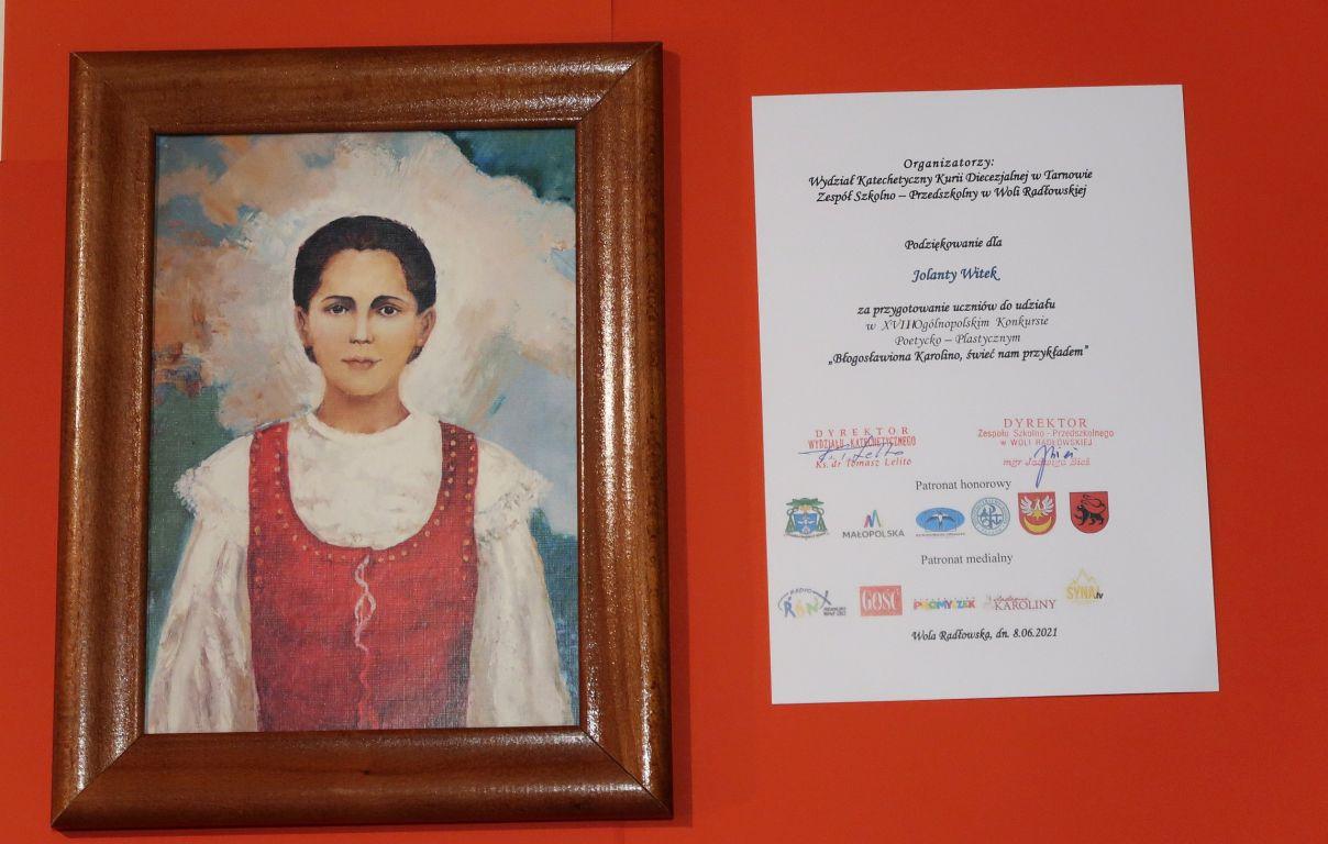 portret bł. Karoliny i podziękowanie za przygotowanie uczniów dla opiekuna p.Jolanaty Witek